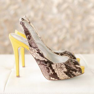 Jessica Simpson Women Platform Heel Chasie Yellow